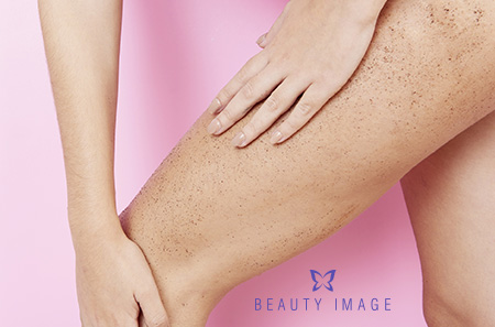 Exfoliate Before Waxing Woman Exfoliating Legs