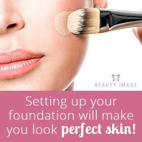 Makeup Tips Woman Applying Foundation Powder